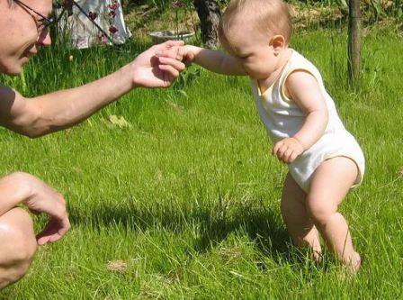 Как развивается ребенок до года по месяцам