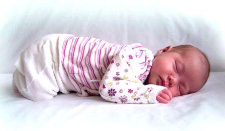 Что умеет ребенок в 1 месяц