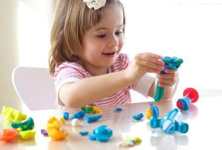 Как правильно развивать мелкую моторику рук ребенка